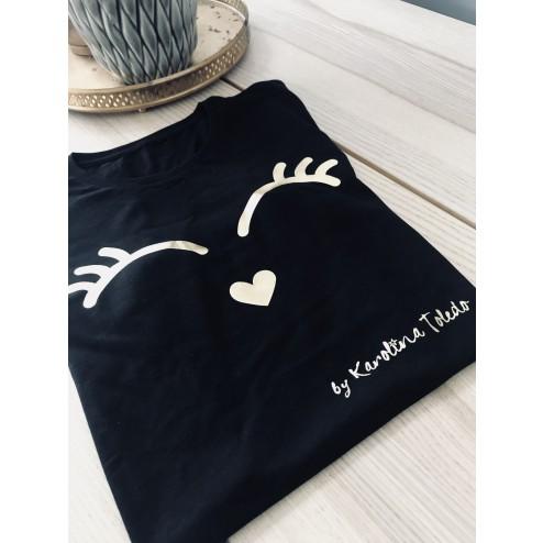 camiseta negra Pestañas de karolina toledo en imodashop