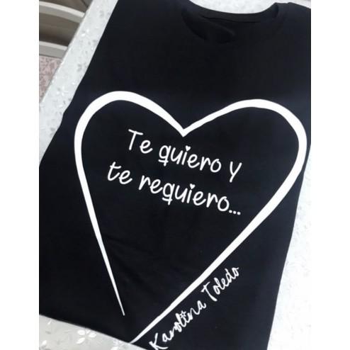 camiseta negra karolina toledo te quiero y te requiero