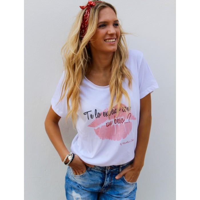Camiseta Blanca Te Lo Explico Con Un Beso Tops Y