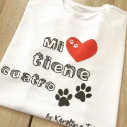 Camiseta Mi Amor Tiene Cuatro Patas de Karolina Toledo