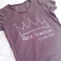 Camiseta Rock Princess Gris de Karolina Toledo