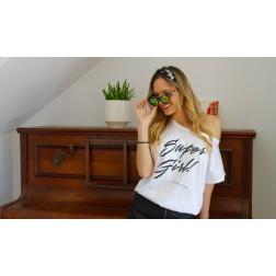 Camiseta Blanca Super Girl de karolina Toledo