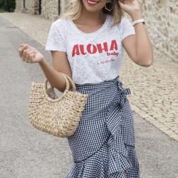 Camiseta Blanca Aloha de Karolina Toledo